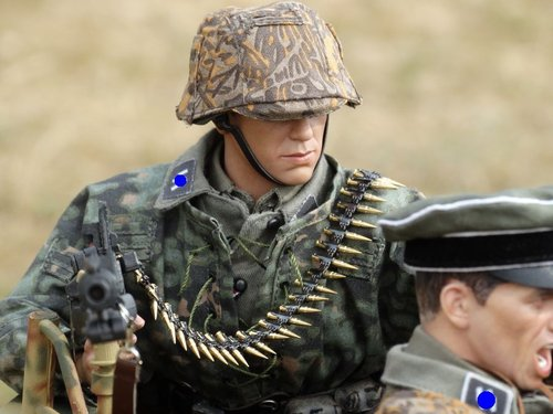 DID 1//6th Scale WW2 German Infantry Accessories Egon